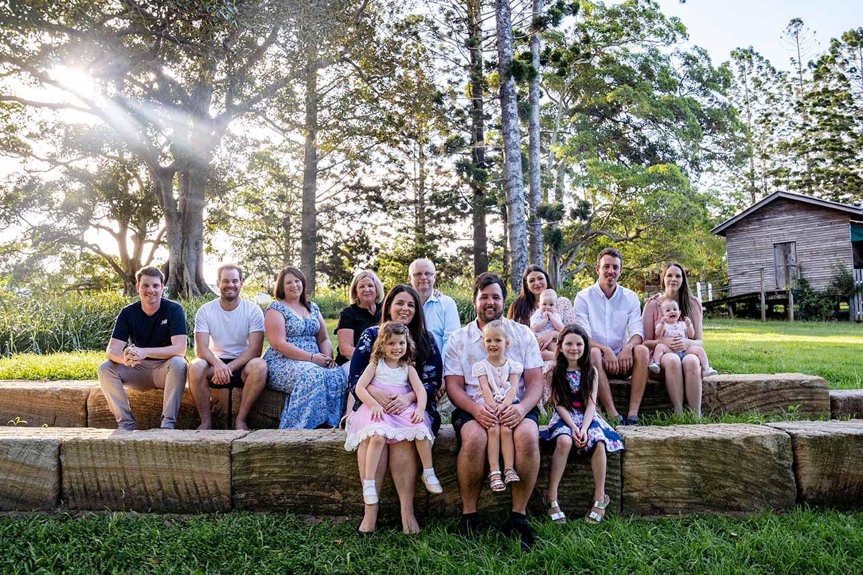 Family Photo - Large Family outdoors