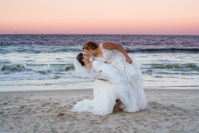 Wedding Photography – Dip and kiss