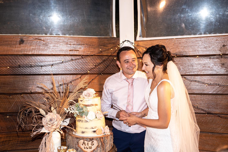Wedding Photography - Cutting the cake