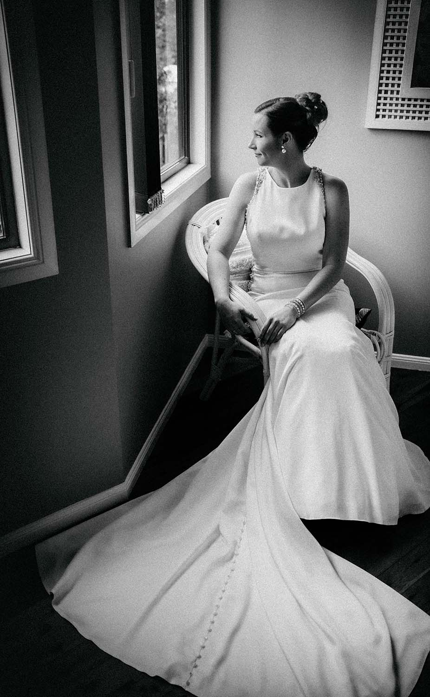 Wedding Photography - bride in black & white